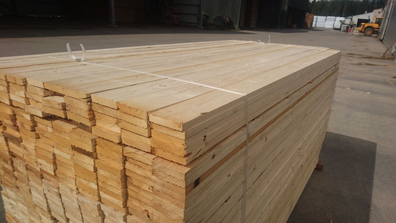 2-side-boards-nothern-europe-timber-production-lameko-impex